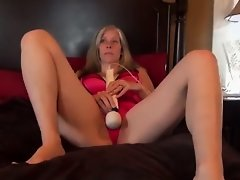 Watch Me Make My Pussy Squirt Cum as I Fuck Myself uploaded 9 months ago by priho
