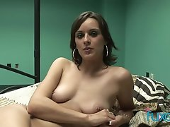 Brunette babe toying added 6 months ago by yopopu