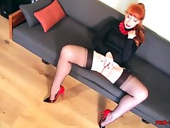 Red fucks herself with her fingers and her heels added 1 year ago by yopopu