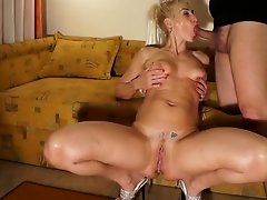 Kinky Slut Asa Akira Takes Doggystyle uploaded 1 year ago by pohub
